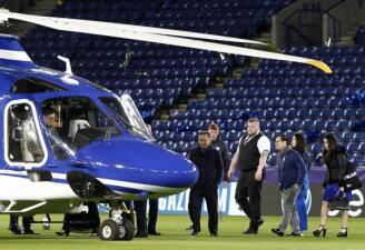 En fotos: el accidente del helicóptero del dueño del Leicester City cerca del estadio
