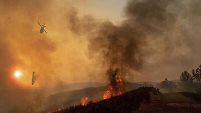 En un minuto: Un incendio del norte de California ya es el más devastador del estado