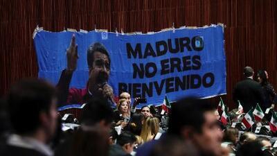 Cientos de personas recibieron a Nicolás Maduro en México entre protestas y abucheos