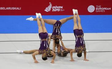 Brillante: elegancia, fuerza y flexibilidad de la gimnasia aeróbica con miras a Olímpicos