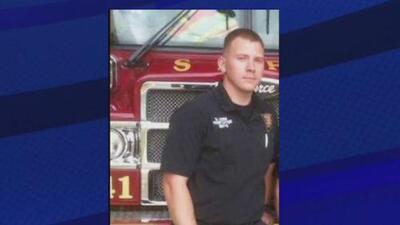 Homenaje al bombero Scott Deem, a un año de su fallecimiento