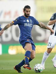 Possignolo (45+1') y Portugal (67') hicieron los tantos en su propia meta; Candé (64') marcó por los locales. 'Tecatito' participó todo el encuentro.