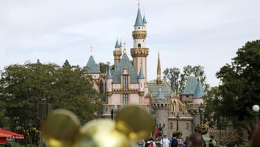 Disneyland cancela pases anuales y emitirá reembolsos debido al cierre por coronavirus