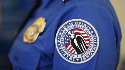 Unpaid TSA workers take over the tunes at airport