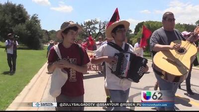 Conmemoran marcha de derechos de los trabajadores del campo
