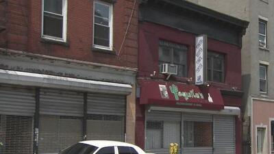 Arrestan a dos sospechosos de golpear mortalmente a un hispano en el estacionamiento de un restaurante en Yonkers