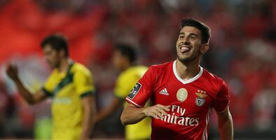 Benfica goleó al Paços Ferrreira y afianza liderato en Portugal