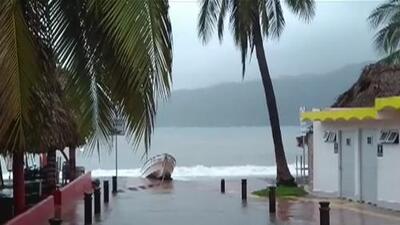 Así se prepara México para la llegada del poderoso huracán Willa