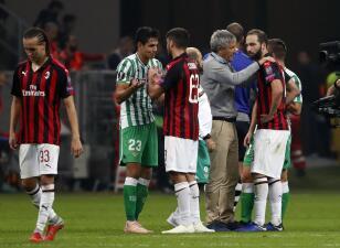 En fotos: Betis, sin Guardado, sorprendió al Milan en San Siro por la Europa League