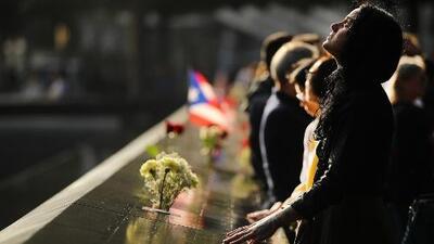 Minuto de silencio por el 9/11: así se recuerda el momento exacto que un avión impactó la torre norte del WTC