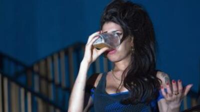 Amy Winehouse murió por exceso de alcohol