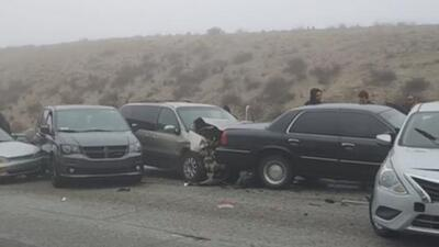 Accidentes, inundaciones y caos por las malas condiciones del tiempo en California