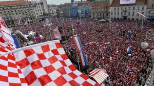 Zagreb se viste de rojo y blanco para recibir a sus subcampeones del mundo