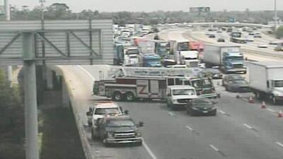 Un accidente mortal causa el cierre parcial de un tramo de la autopista Eastex Freeway, al norte de Houston