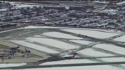 Van 1,600 vuelos cancelados en aeropuertos del área de Chicago