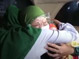 Gemelas en Indonesia se reencuentran 20 años después gracias a TikTok