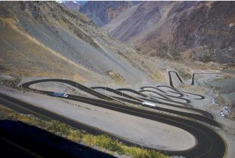 De la 'Carretera de la muerte' a la 'Fabricante de viudas': las vías más peligrosas del mundo