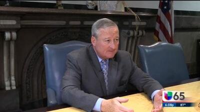 Filadelfia acusa a ICE de usar perfiles raciales y suspende su cooperación con la agencia