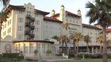 Esta es la historia de los fantasmas que rondan por el hotel Galvez en la isla de Galveston, Texas