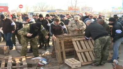 Resistencia militar ucraniana cede ante Crimea