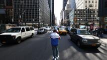 De Blasio apoya una legislación que impondría sanciones más severas a los culpables de infracciones vehiculares