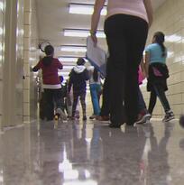 Escuelas de Nueva York emplearán normas más estrictas para prevenir acoso sexual y bullying