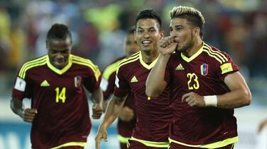 Venezuela aplastó 5-0 a Bolivia y logró su primera victoria en la eliminatoria mundialista