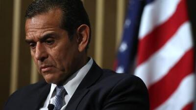 Antonio Villaraigosa sigue en tercer lugar según nuevo sondeo a 5 días de las primarias californianas