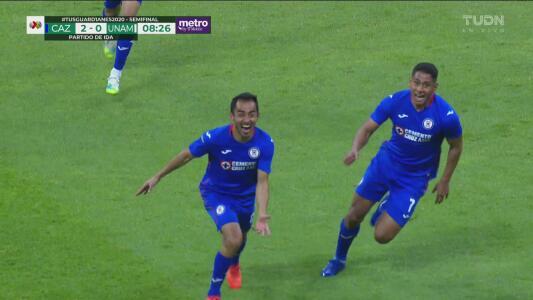 ¡Vaya gol de Cruz Azul! Rafael Baca anota el 2-0 sobre los Pumas