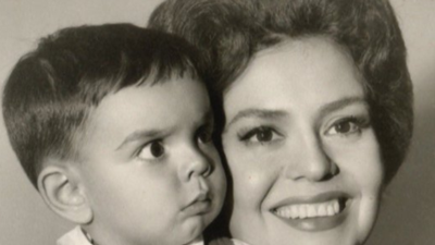 Eugenio Derbez recuerda la belleza de su madre Silvia Derbez