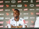 Robinho fue presentado por Atlético Mineiro donde espera volver a la selección brasileña