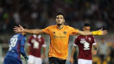 Raúl Jiménez se gana a su afición con goles