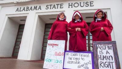 Alabama a un paso de tener la prohibición más estricta del aborto en EEUU: ni siquiera en casos de violación o incesto