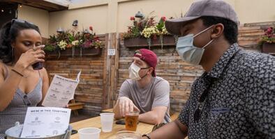 Los clientes tendrán más tiempo para pedir bebidas alcohólicas cuando visiten los restaurantes de Pensilvania