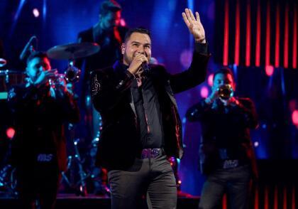 """La Banda MS está nominada a los  <b><a href=""""https://www.univision.com/shows/premios-juventud"""" target=""""_blank"""">Premios Juventud 2019 </a></b>en las categorías Can't Get Enough Of This Song (La Más Pegajosa) y Singing In The Shower (Ritmo en la Regadera) por su canción 'Por siempre mi amor'. Dicha gala será el próximo 18 de julio. <br>"""