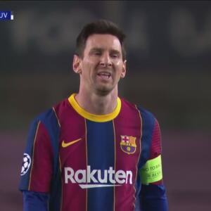 ¡Vuelve a lucir Buffon tras balazo de Messi en la frontera del área!