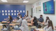 Habrá graduaciones presenciales de las secundarias de Miami-Dade en medio de estrictos protocolos