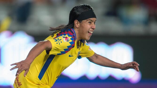 Lucero Cuevas, una goleadora que triunfa en México y le apunta a Europa