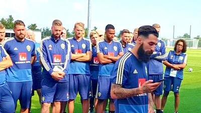 Suecia se muestra unido previo a su juego ante el Tri, tras amenazas a uno de sus jugadores