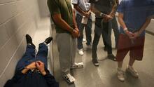 """""""Cualquier persona que no tiene documentos está en riesgo de ser deportada por esta administración"""""""