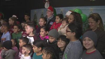 Familias puertorriqueñas afectadas por María celebraron Navidad en Manhattan