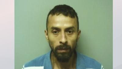 Hispano acusado de 4 cargos de violación en Carolina del Norte es capturado en Arkansas