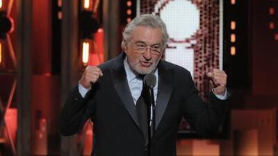 Robert De Niro insulta a Donald Trump en vivo en una entrega de premios y recibe una ovación