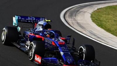 Alex Albon competirá en Red Bull el resto de la temporada de Fórmula Uno