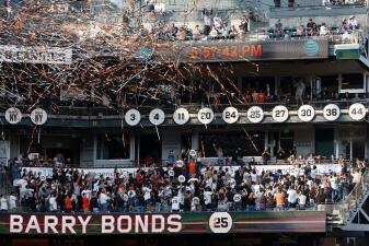 En fotos: 25 momentos en la carrera de Barry Bonds, su número fue retirado por los Giants