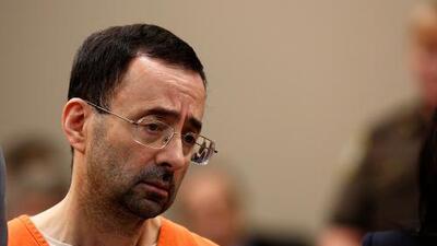 Larry Nassar recibe su tercera sentencia: un máximo de 125 años de cárcel
