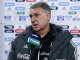 Tecatito estará listo para Final Four y Tata mantiene fe en Raúl para el verano
