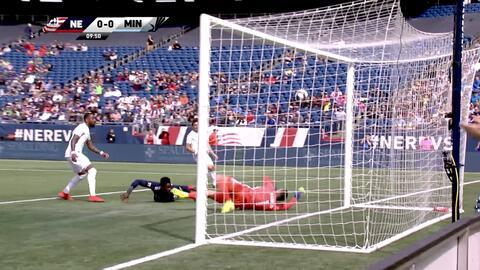 Jalil Anibaba perfora las redes con un hermoso remate de 'palomita', New England 1-0 Minnesota