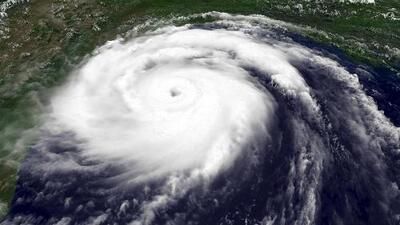 Altas temperaturas en el Océano Pacífico aumentan el riesgo de que se forme un huracán en el sur de California
