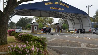 3 muertos y el atacante abatido deja tiroteo en base naval de Pensacola